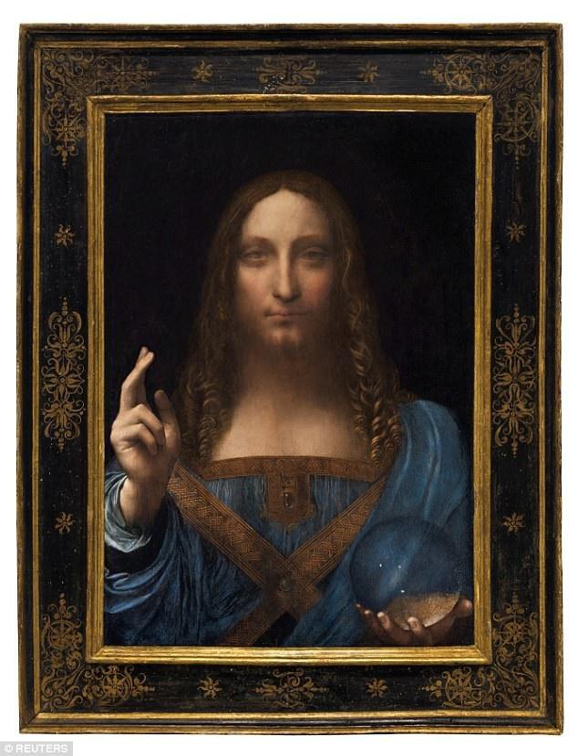 """1 - Bức tranh chân dung bị thất lạc từ lâu của danh họa người Ý Leonardo da Vinci - """"Salvator Mundi"""" - đã vừa được bán ra với mức giá kỷ lục, phá vỡ mọi đỉnh cao về giá từng được xác lập trước đây đối với một tác phẩm hội họa. Con số gây choáng ngợp đó là 450,3 triệu USD (tương đương 10.234 tỷ đồng)."""