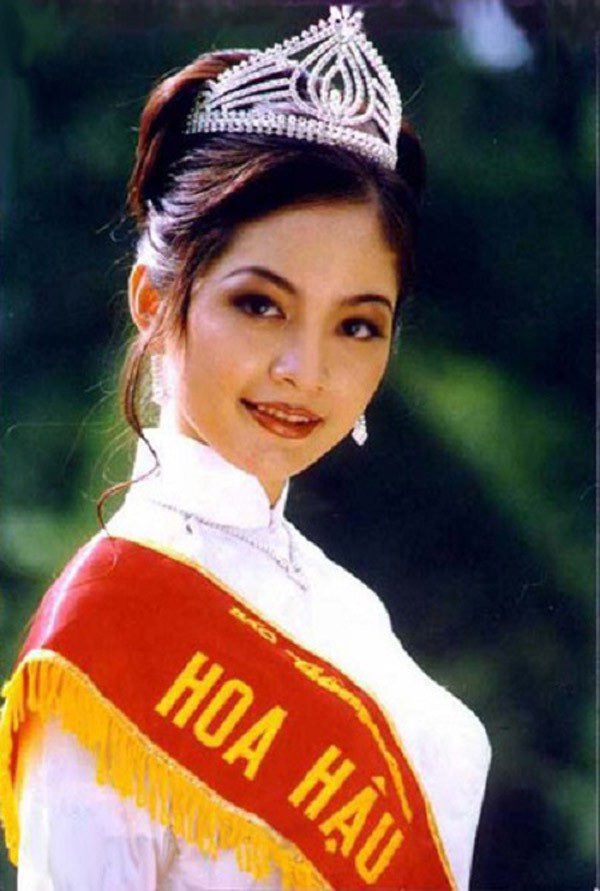 Nguyễn Thiên Nga đăng quang Hoa hậu năm 1996.