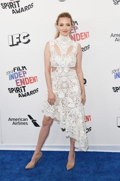 Một năm sau khi sinh con gái đầu lòng, nữ diễn viên Amanda Seyfried đã lấy lại vóc dáng thon gọn và vẻ đẹp thanh thoát