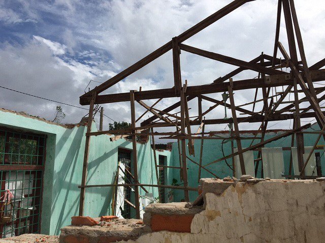 Sau cơn bão số 10 năm 2017, phòng học của Trường Mầm non Quảng Tiến đã bị đổ sập...
