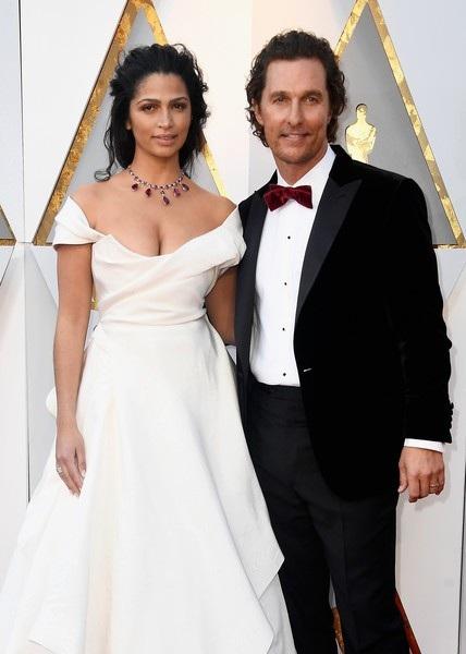Người mẫu Camila Alves và chồng Matthew McConaughey
