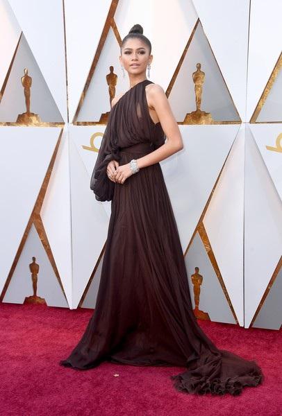 Người đẹp dập dìu khoe dáng trên thảm đỏ Oscar - 30