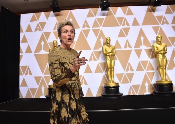 Frances McDormand giành giải nữ diễn viên chính xuất sắc nhất với phim Three Billboards Outside Ebbing, Missouri