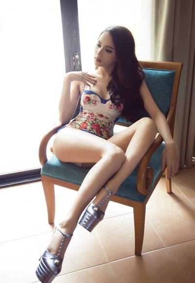 Hương Giang nóng bỏng với bikini tại Hoa hậu Chuyển giới Quốc tế - 2