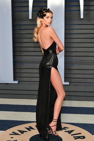 Chân dài 27 tuổi là thiên thần của hãng Victorias Secret
