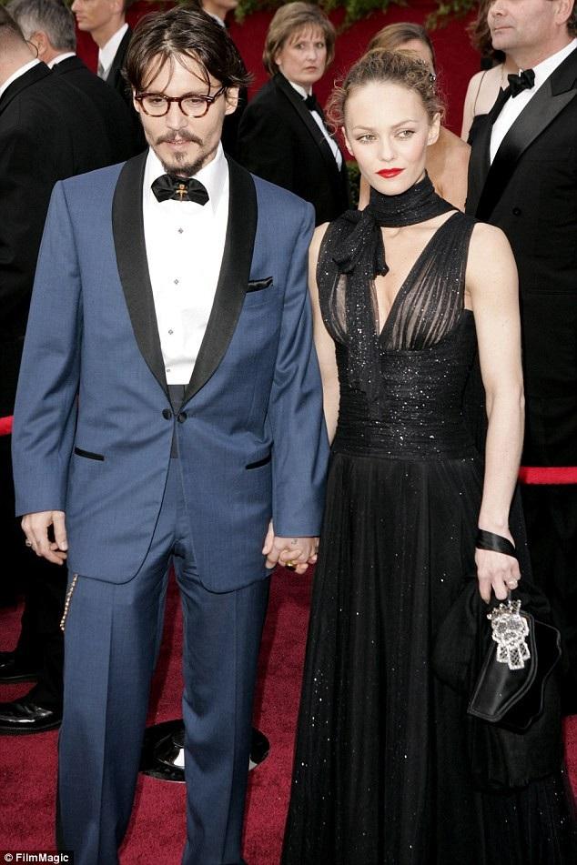 Vanessa và Johnny Depp hẹn hò 14 năm, chia tay vào năm 2012 sau khi có với nhau 1 trai, 1 gái