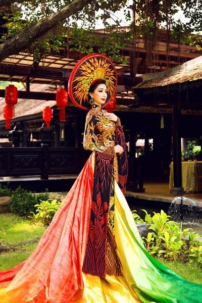 Hồng Tươi có sở thích thể dục - thể thao. Người đẹp từng là giáo viên dạy Aerobic, yoga và zumba. Ngoài danh hiệu Hoa hậu Đông Nam Á, người đẹp còn đoạt cú đúp khi đoạt thêm giải phụ tài năng về giọng hát mượt mà, truyền cảm.
