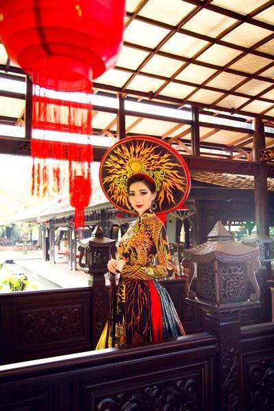 Hoa hậu Đông Nam Á Hồng Tươi đẹp rực rỡ - 6