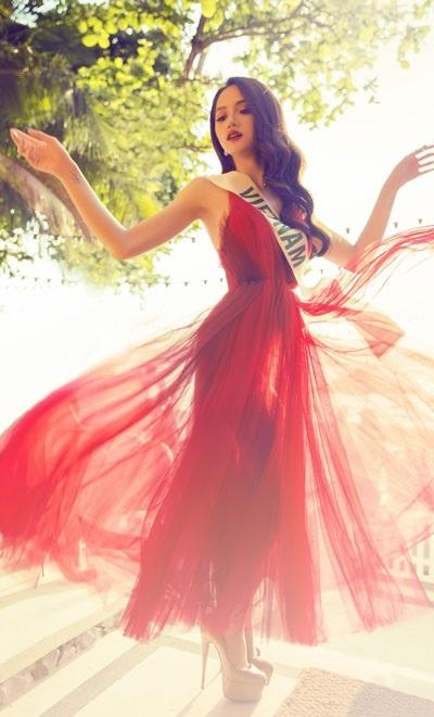 Hương Giang đầy năng lượng tại cuộc thi Hoa hậu Chuyển giới Quốc tế - 3