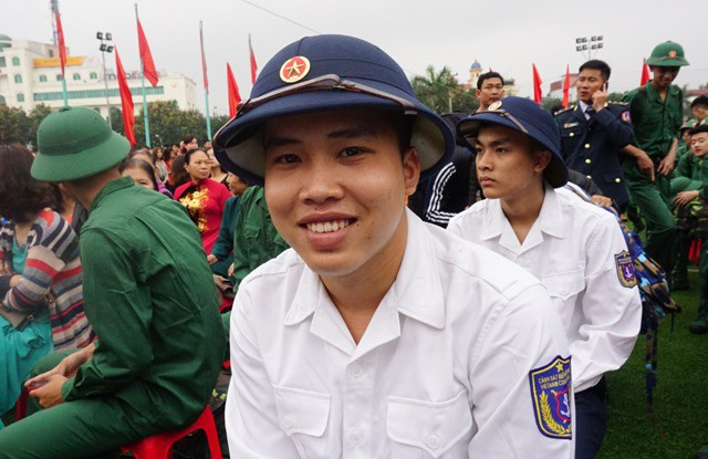 Từ huyện miền núi Con Cuông, Nguyễn Quang Linh sẽ đi ra biển, thực hiện nhiệm vụ giữ gìn bình yên chủ quyền thiêng liêng của Tổ quốc