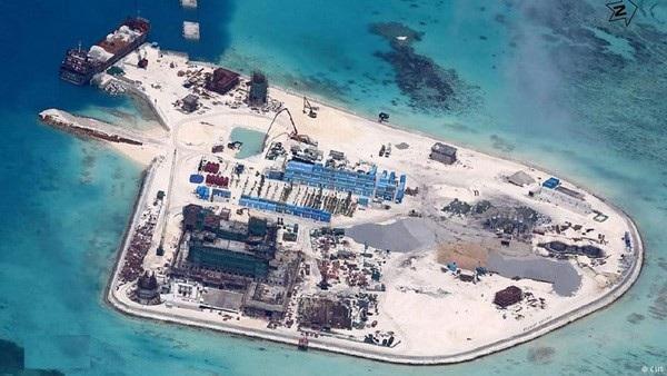 Trung Quốc xây dựng trái phép trên đá Gạc Ma, thuộc quần đảo Trường Sa của Việt Nam (Ảnh: CSIS).