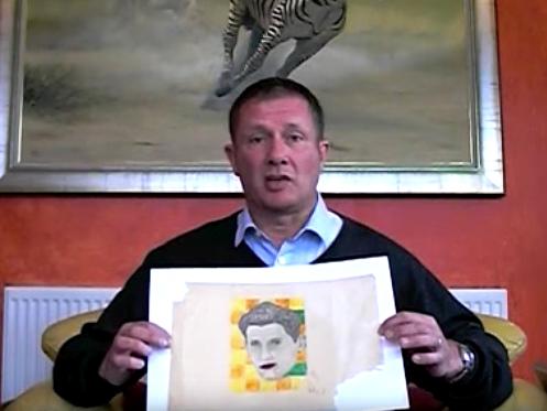 Năm 2010, doanh nhân người Anh Andy Fields người Anh đã mua 5 bản phác họa trị giá 5 USD tại một phiên chợ đồ giảm giá ở Las Vegas, Mỹ. Năm 2012, người đàn ông 48 tuổi đã phát hiện ra tác giả của bản phác họa là họa sĩ nổi tiếng người Mỹ Andy Warhol vẽ khi còn nhỏ và có trị giá lên đến trên 2 triệu USD. (Ảnh: Youtube)