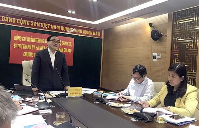 Bí thư Thành ủy Hà Nội Hoàng Trung Hải phát biểu chỉ đạo tại cuộc họp