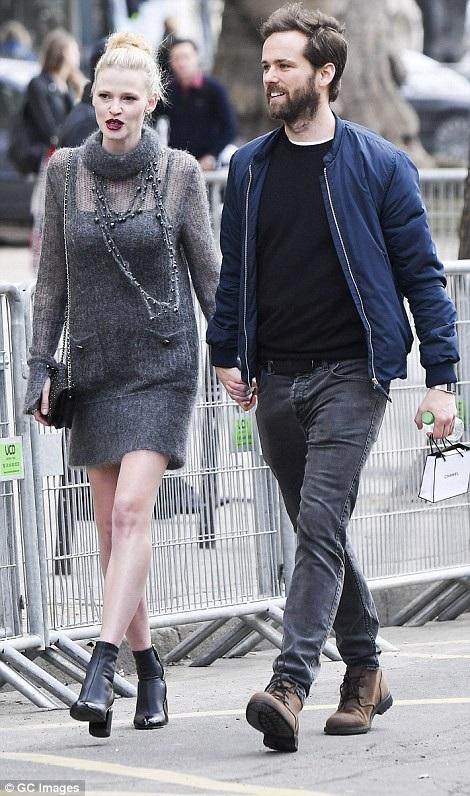 Siêu mẫu Lara Stone và bạn trai
