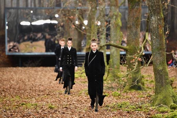 Khách mời của Chanel là những thương gia, người nổi tiếng, fashionista trên khắp thế giới