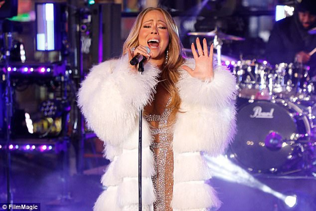 Phần biểu diễn của Mariah trong đêm giao thừa vừa qua được khen ngợi là hoàn hảo.