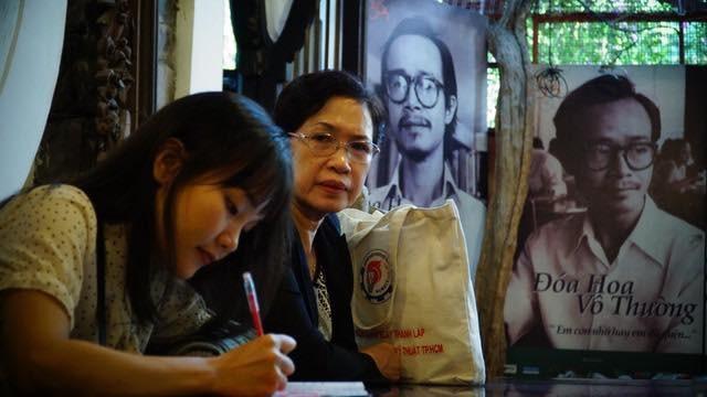 Không chỉ người lớn tuổi mà rất nhiều khán giả trẻ cũng dành tình cảm cho nhạc Trịnh.