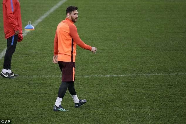 Lionel Messi đang rất hưng phấn, sau khi mới lập hattrick vào lưới Leganes tại La Liga cuối tuần qua