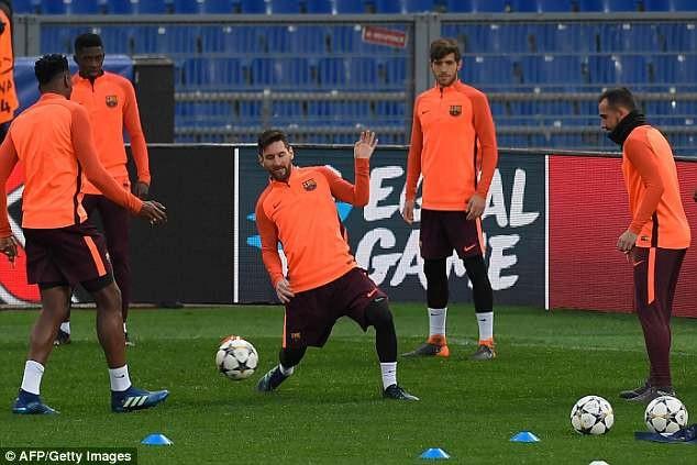 Lionel Messi vẫn là nhân vật trung tâm của Barcelona, dù anh không ghi bàn ở lượt đi