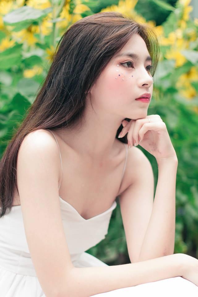 Hình ảnh trên Facebook của Minh Tuyền - hot girl kem chống nắng