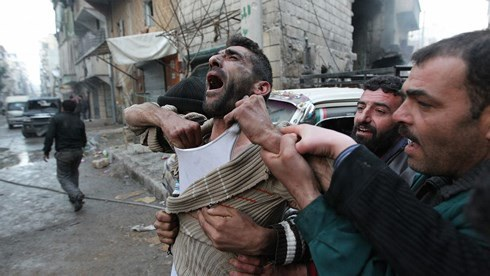 Chiến tranh vẫn tiếp tục gieo rắc đau khổ cho người dân Syria. Ảnh: Vice.