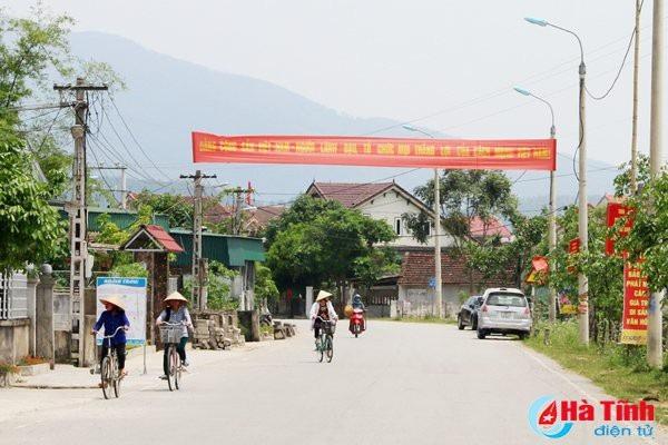 XKLĐ mang lại nguồn lực lớn, góp phần làm thay đổi diện mạo nhiều vùng nông thôn Hà Tĩnh. Tuy nhiên, xu thế này đang ít nhiều ảnh hưởng đến việc tạo nguồn cán bộ xã, thôn.