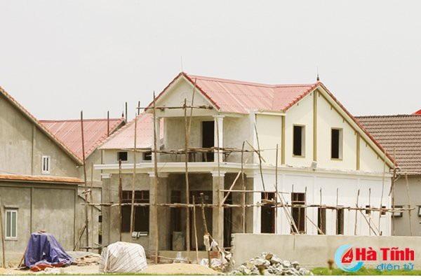 Để có thêm thu nhập trang trải cuộc sống, xây dựng nhà cửa, nhiều người dân Thiên Lộc đã chọn con đường xuất khẩu lao động.