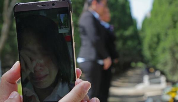 Trung Quốc: Đi tảo mộ 30 phút, check-in tại nghĩa trang, đút túi ngay cả triệu mỗi ngày - 2
