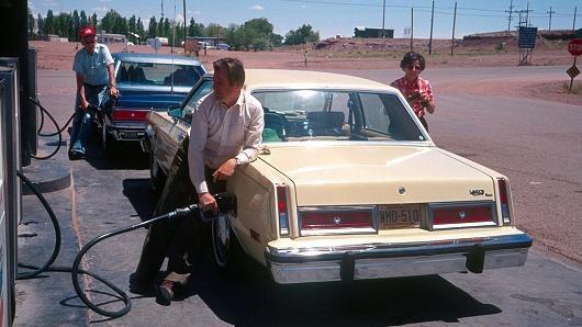 Sự biến mất lặng lẽ của những chiếc sedan thương hiệu Mỹ - 1