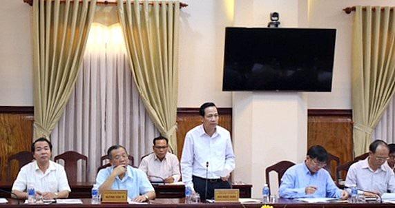 Bộ trưởng Bộ Lao động Thương binh và Xã hội Đào Ngọc Dung tại buổi làm việc với tỉnh Bình Thuận sáng 12/4.