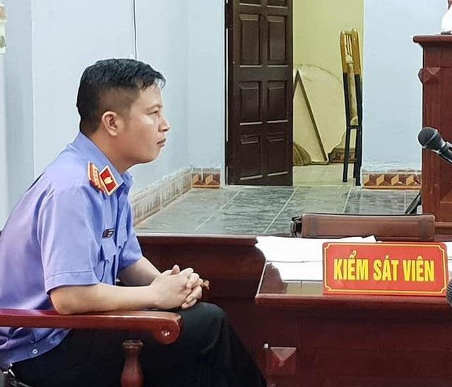 Kiểm sát viên Mai Văn Tuyên tại phiên tòa cho biết không nhờ bà Hoàng Thị Thanh Huyền, viện phó VKSND huyện Ân Thi gặp anh rể bị cáo Chung để có cuộc trao đổi kỳ lạ đã được lập vi bằng.