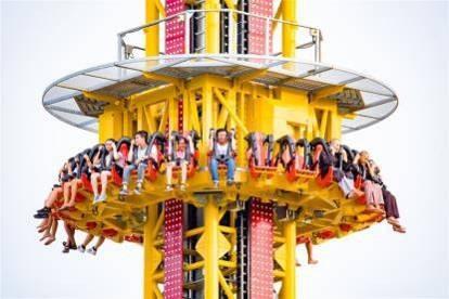 Tháp - Swiss Tower cao nhất Việt Nam sẽ mang đến cảm giác sợ hãi lẫn thăng hoa tột cùng cho người chơi khi lao từ đỉnh 80 m xuống