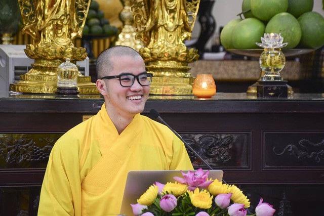 Sư thầy Thích Tâm Tiến đang tu tại chùa Hoằng Pháp vừa được trường ĐH Harvard và ĐH Yale (Mỹ) cấp học bổng chương trình thạc sĩ.