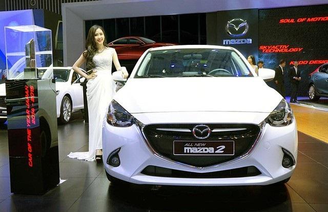 Mẫu xe nhỏ Mazda2 đột ngột tăng giá - 1