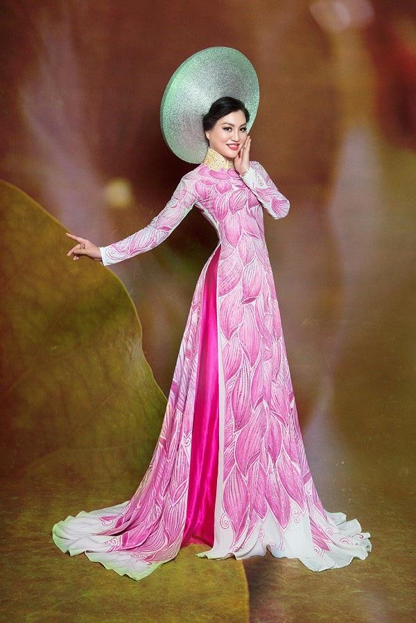 Nữ Hoàng Trần Huyền Nhung lộng lẫy với quốc phục sen hồng của NTK Tuấn Hải - 3