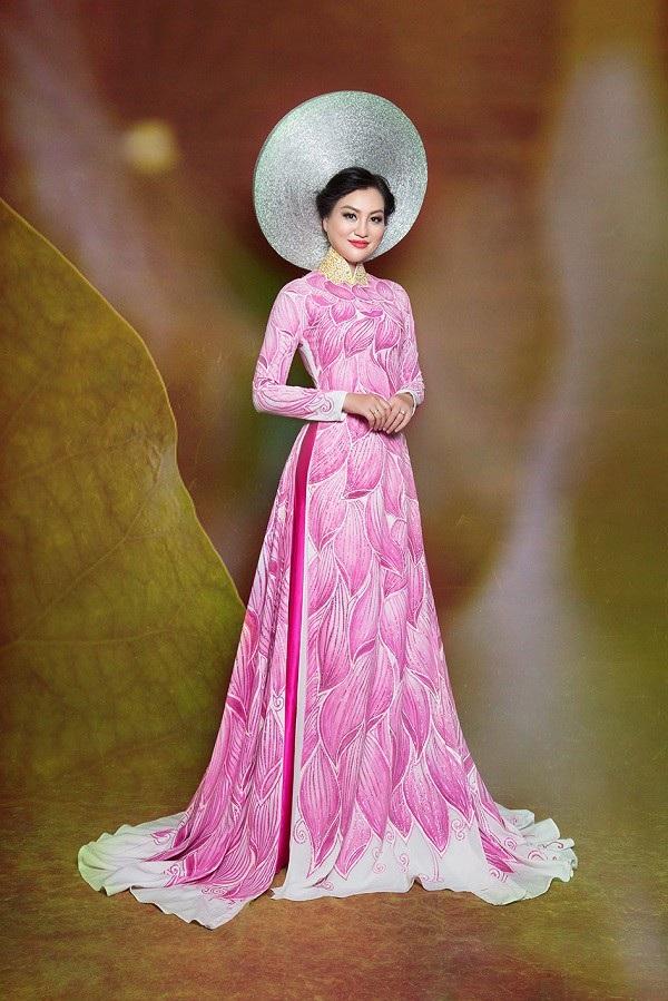 Nữ Hoàng Trần Huyền Nhung lộng lẫy với quốc phục sen hồng của NTK Tuấn Hải - 5