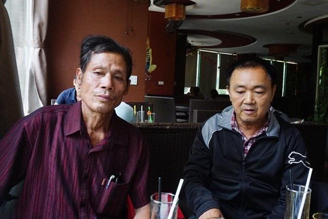 Ông Võ Đức Thái (bên trái) tố cáo chủ Doanh nghiệp Phúc Nhiên chiếm đoạt 1,2 tỷ đồng thông qua hình thức gửi tiết kiệm