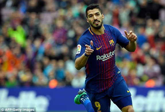 Niềm vui của Luis Suarez sau khi ghi bàn mở tỷ số cho Barcelona