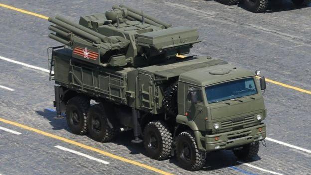 Syria có nhiều hệ thống tên lửa SA-22 của Nga (Ảnh: Getty)