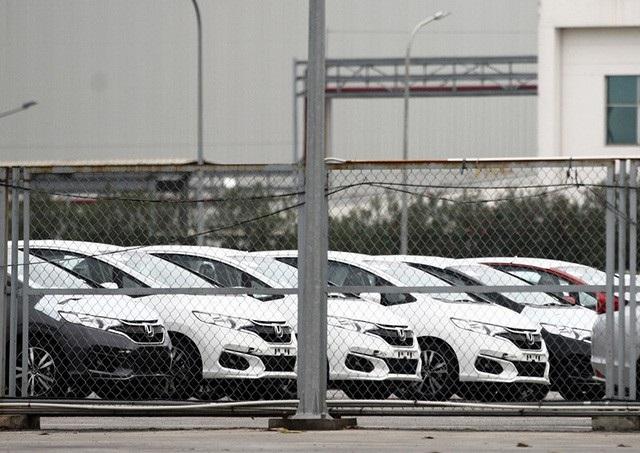 Lô xe đầu tiên và duy nhất thông quan vào Việt Nam từ đầu năm đến nay là của Honda với 950 chiếc tại cảng Hải Phòng và 1.054 chiếc tại cảng Hiệp Phước (trong đó có 577 chiếc CR-V, 320 chiếc Civic, 112 chiếc Jazz và 45 chiếc Accord).