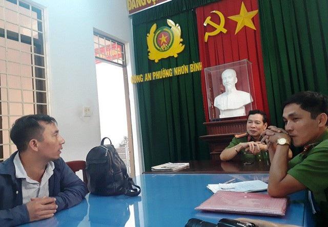 Bị can Nguyễn Văn Bình (SN 1978, quê tỉnh Ninh Bình) làm việc tại cơ quan chức năng.