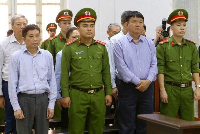 Các bị cáo nghe tòa sơ thẩm tuyên án ngày 29/3.