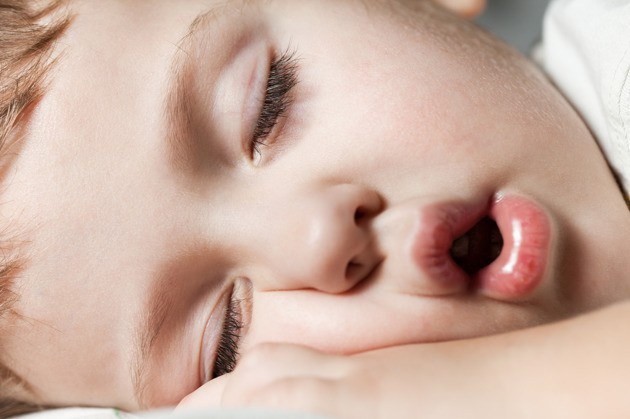 3 bước ma thuật giúp con đi ngủ dễ dàng để bố mẹ có thể dành thời gian cho bản thân - 1