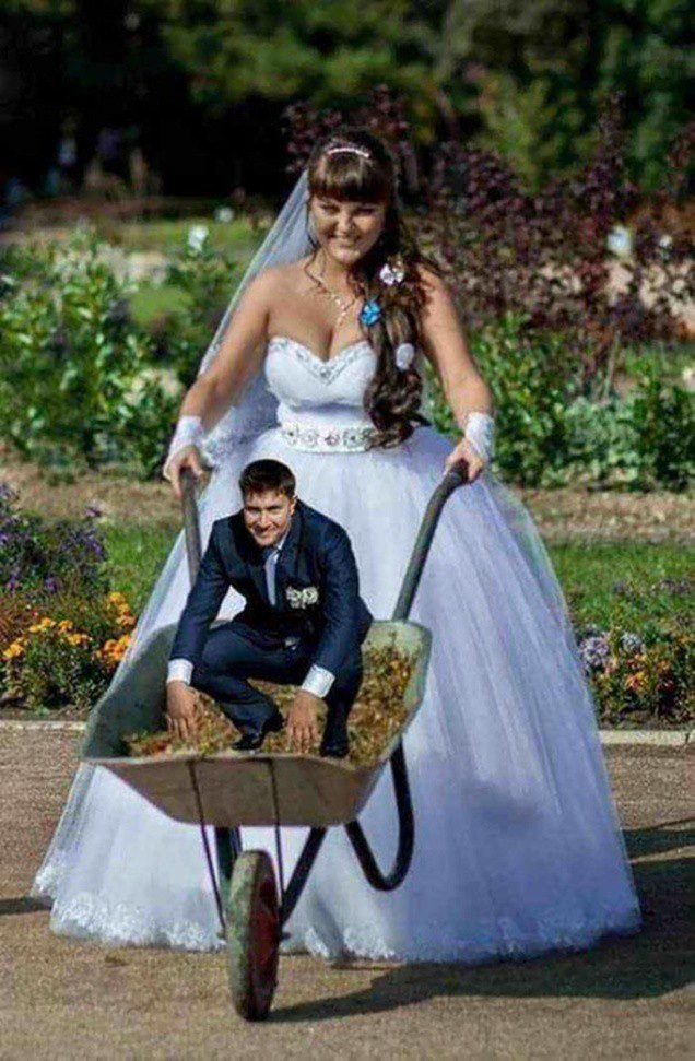 Ảnh cưới phỏng theo câu chuyện thần lùn giữ cửa
