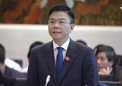 Bộ trưởng Tư pháp Lê Thành Long trong một buổi trả lời chất vấn hỏi nhanh đáp gọn hồi tháng 3/2018.