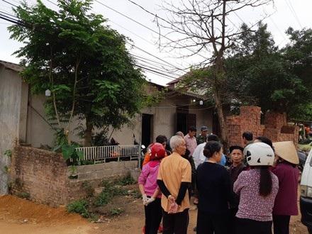 Vụ án mạng gây chấn động làng quê, khiến nhiều người hoang mang lo sợ.