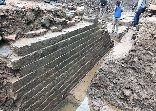 Sáng nay, Trung tâm Bảo tồn di sản Thăng Long - Hà Nội báo cáo sơ bộ kết quả khai quật khảo cổ học khu vực Điện Kính Thiên (Hoàng Thành - Thăng Long)