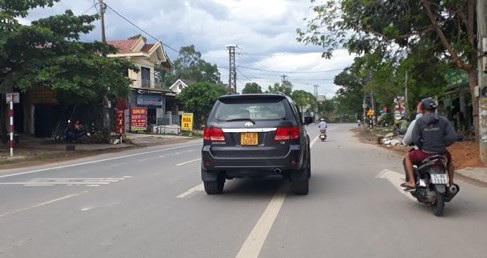 Hiệp hội taxi 3 miền kiến nghị Bộ Công an cấp biển số nền vàng, chữ đen cho xe vận tải theo hợp đồng dưới 9 chỗ.
