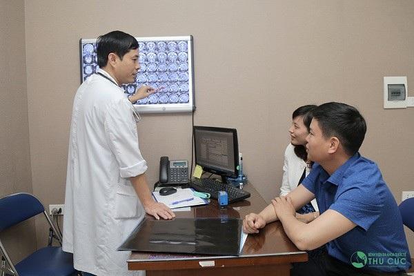 Người bệnh cần đi khám ngay khi có dấu hiệu bất thường về sức khỏe