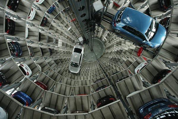 Trụ sở Porsche bị lục soát, bê bối gian lận ở Volkswagen chưa có hồi kết - 2